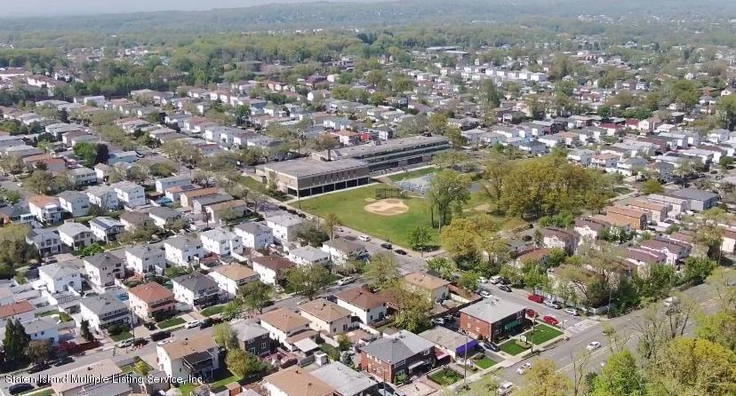 Single Family - Semi-Attached 122 Maybury Avenue  Staten Island, NY 10308, MLS-1128627-31