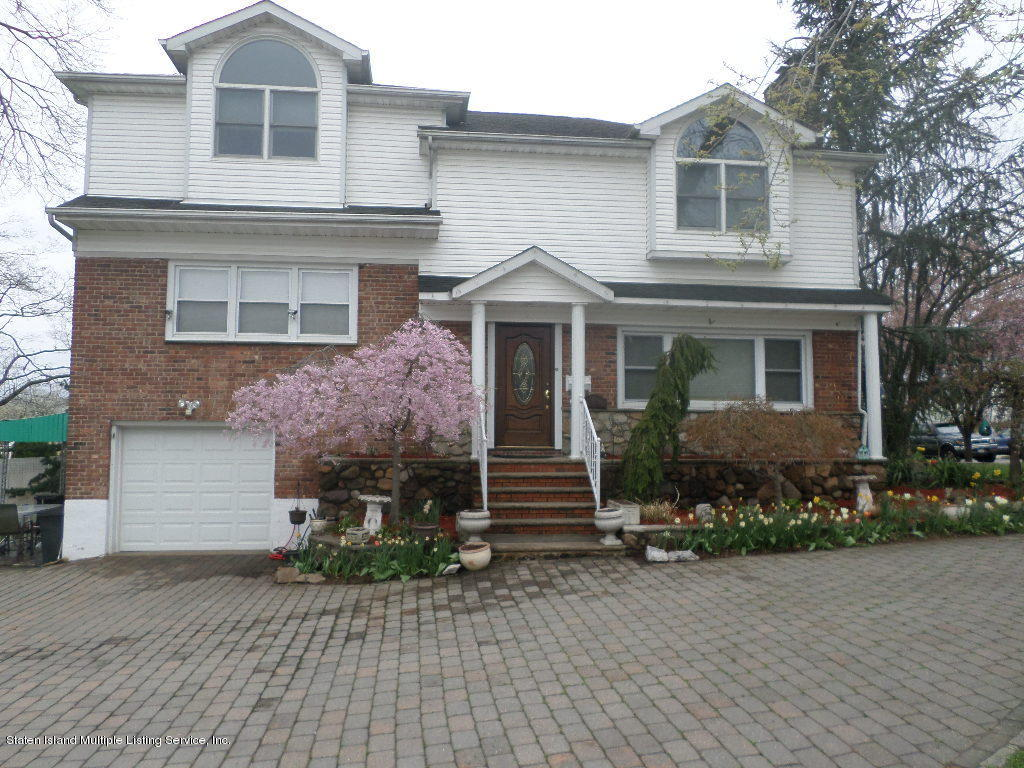 Single Family - Detached in Westerleigh - 45 Delmore Street  Staten Island, NY 10314