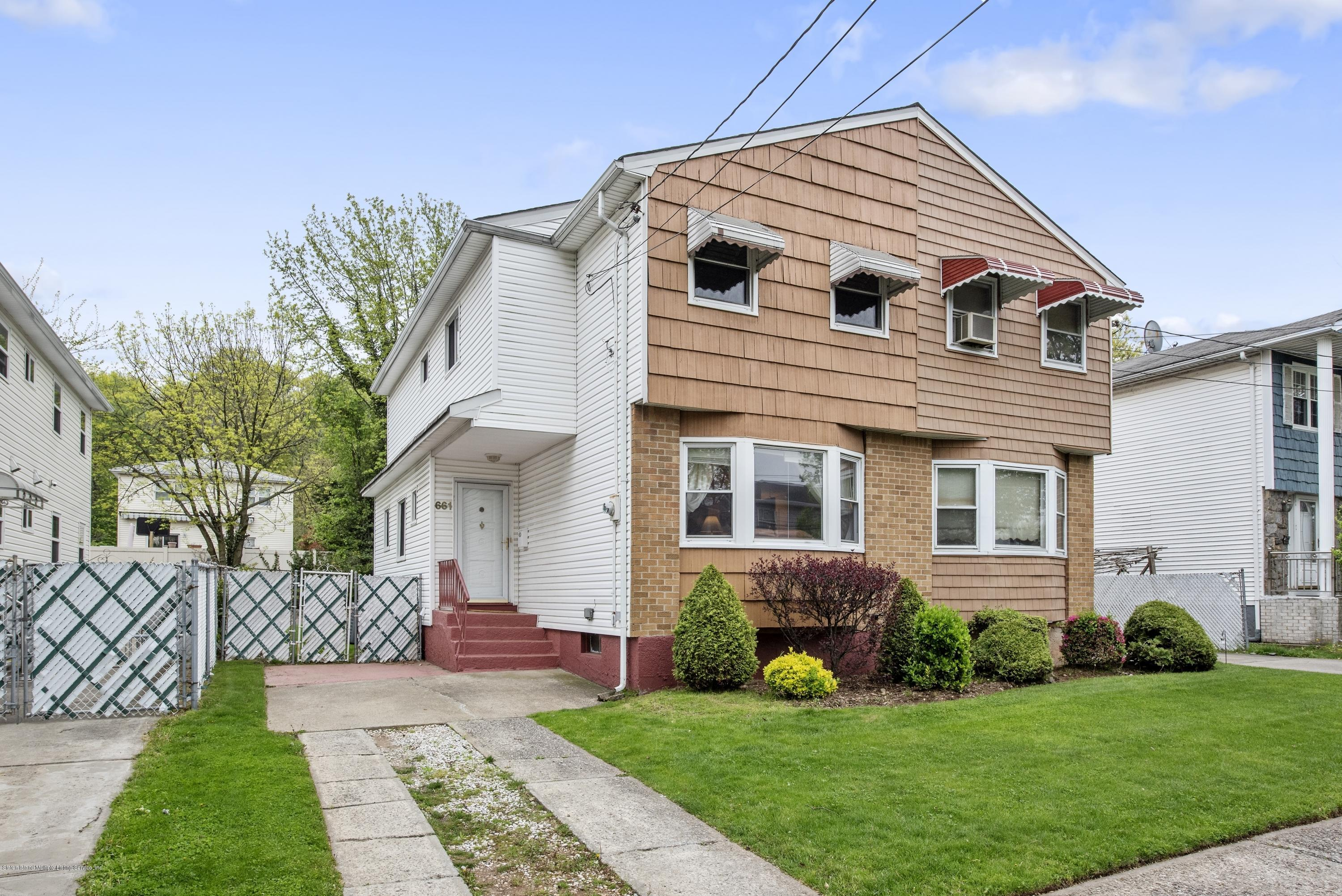 Single Family - Semi-Attached in Willowbrook - 661 Collfield Avenue  Staten Island, NY 10314