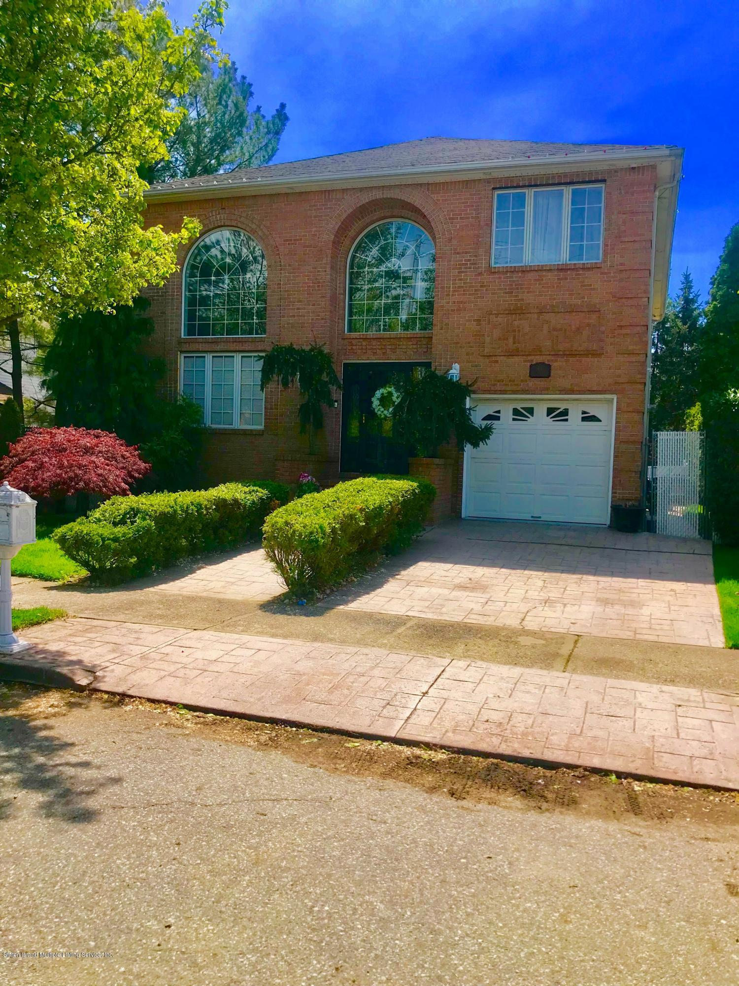 Single Family - Detached in Princes Bay - 44 Everett Place  Staten Island, NY 10309