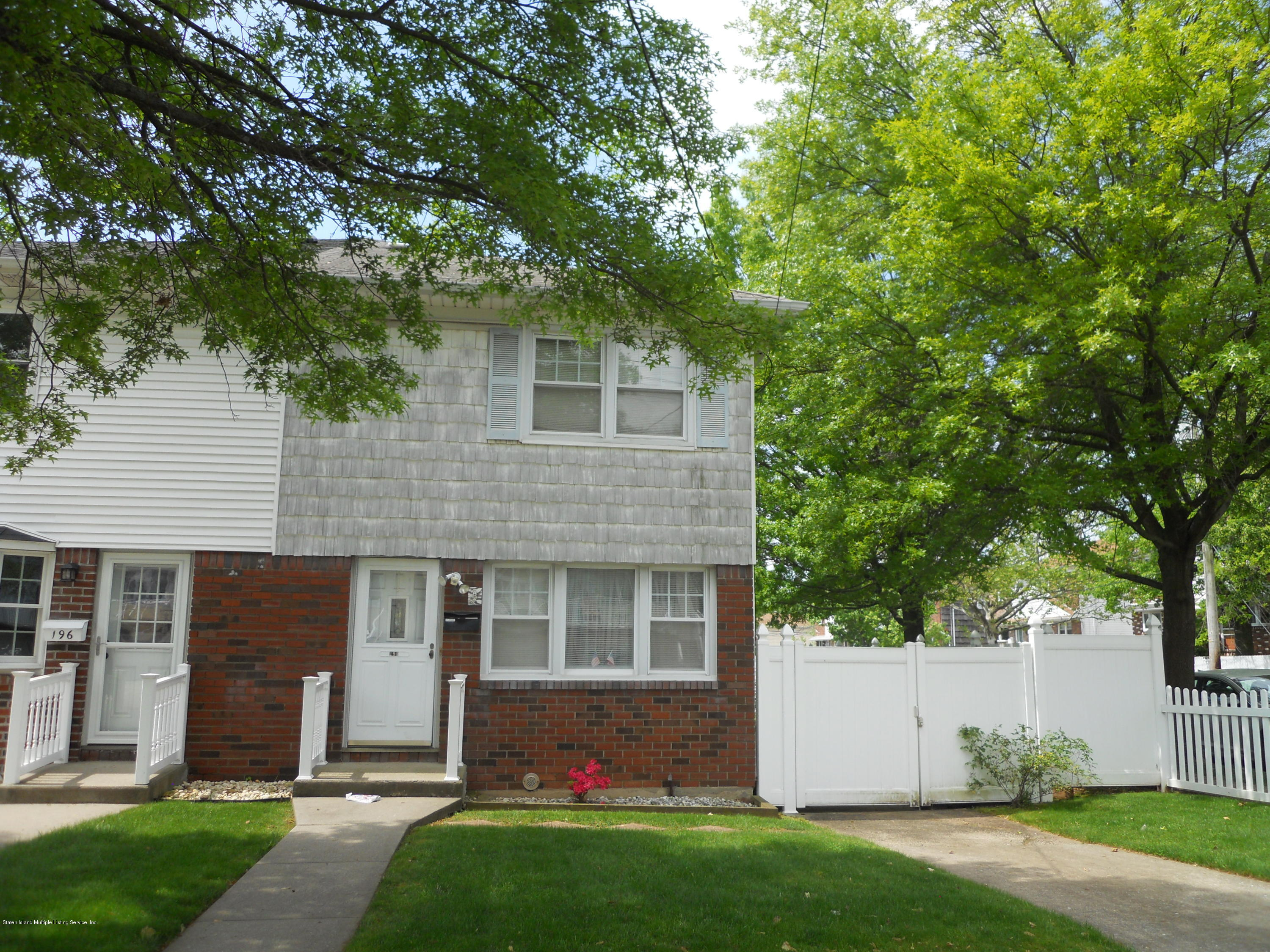 Single Family - Semi-Attached in Richmond Town - 194 Tysens Lane  Staten Island, NY 10306