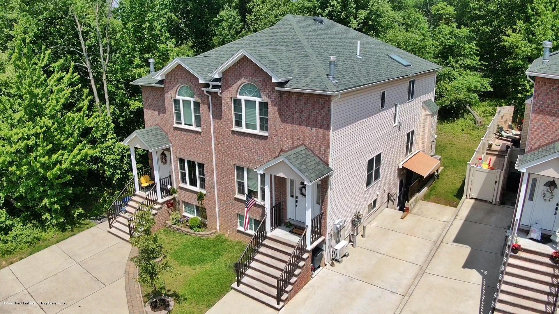 Two Family - Semi-Attached 27 Malibu Court  Staten Island, NY 10309, MLS-1129104-3