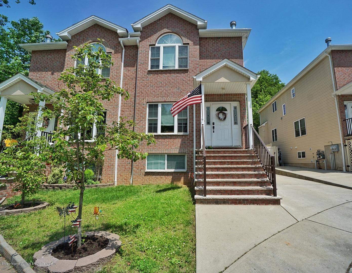 Two Family - Semi-Attached in Woodrow - 27 Malibu Court  Staten Island, NY 10309