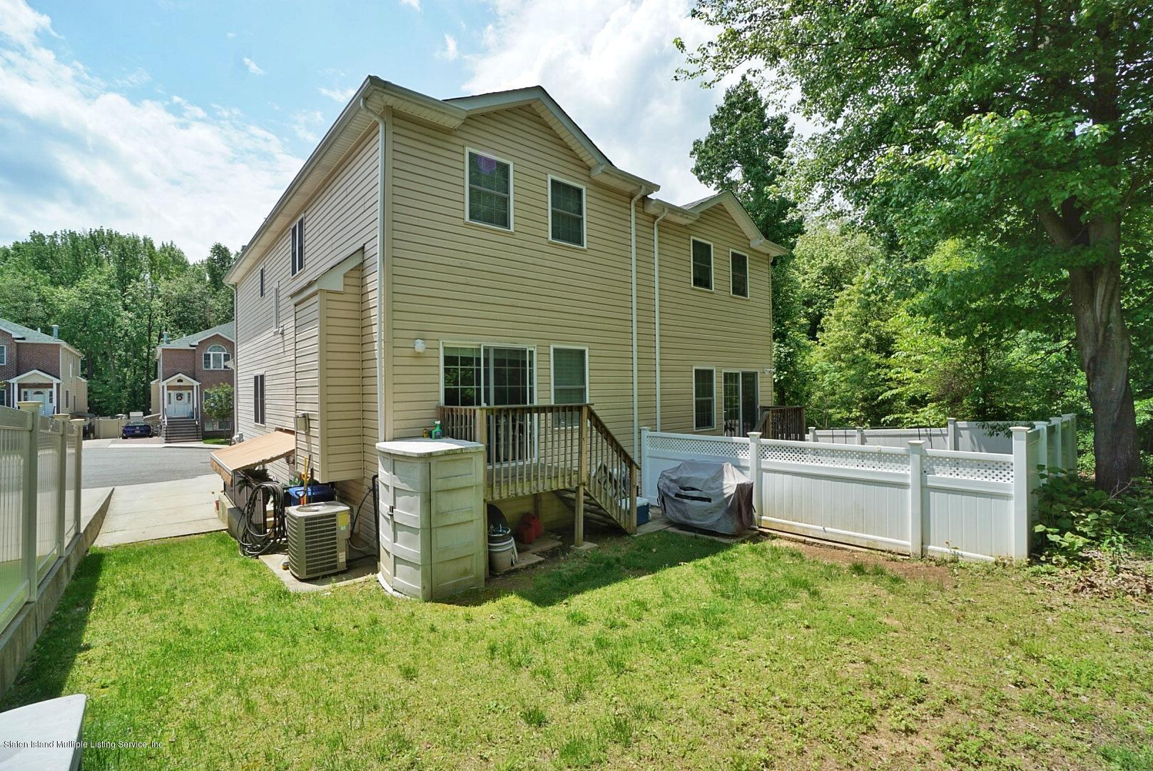 Two Family - Semi-Attached 27 Malibu Court  Staten Island, NY 10309, MLS-1129104-45