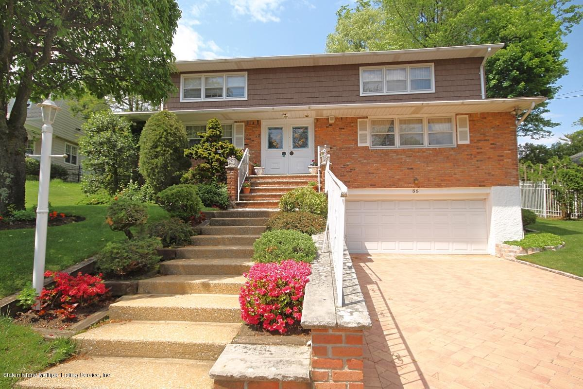Single Family - Detached in Todt Hill - 35 East Entry Road  Staten Island, NY 10304