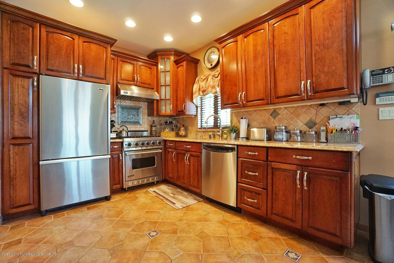 Single Family - Detached 337 Thomas Street  Staten Island, NY 10306, MLS-1129114-26