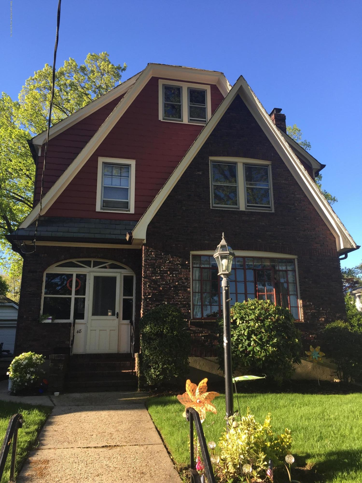 Single Family - Detached in Silver Lake - 48 Park Court  Staten Island, NY 10301