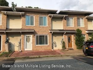 27 Seaside Lane, Staten Island, NY 10305
