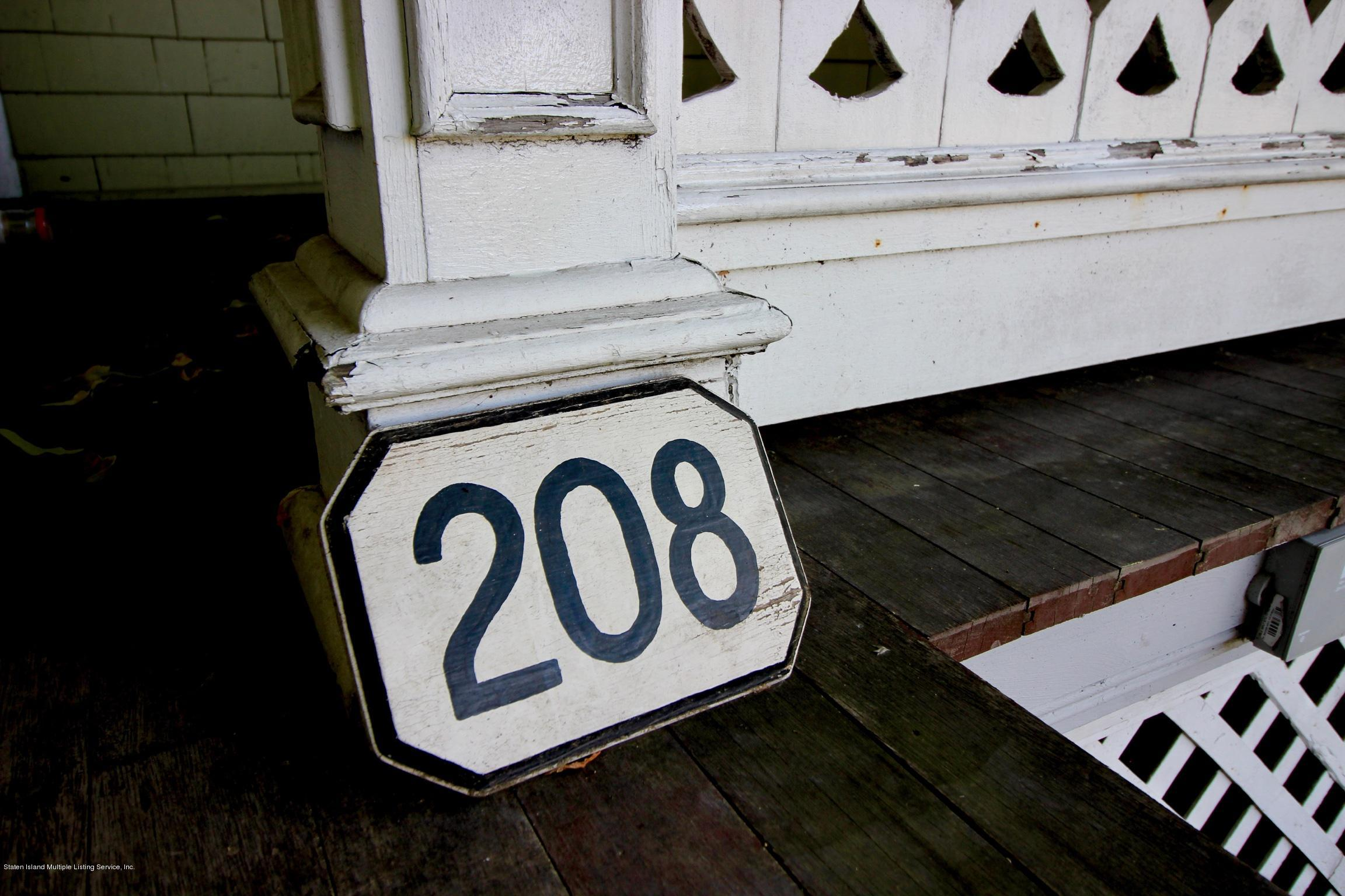 Single Family - Detached 208 St Pauls Avenue  Staten Island, NY 10304, MLS-1129566-2