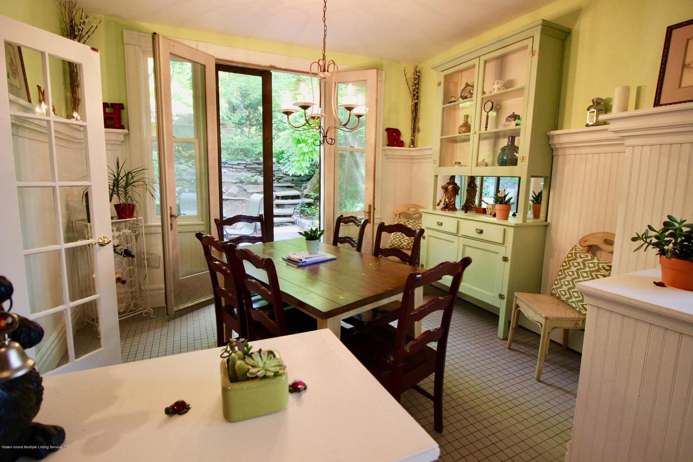 Single Family - Detached 208 St Pauls Avenue  Staten Island, NY 10304, MLS-1129566-17