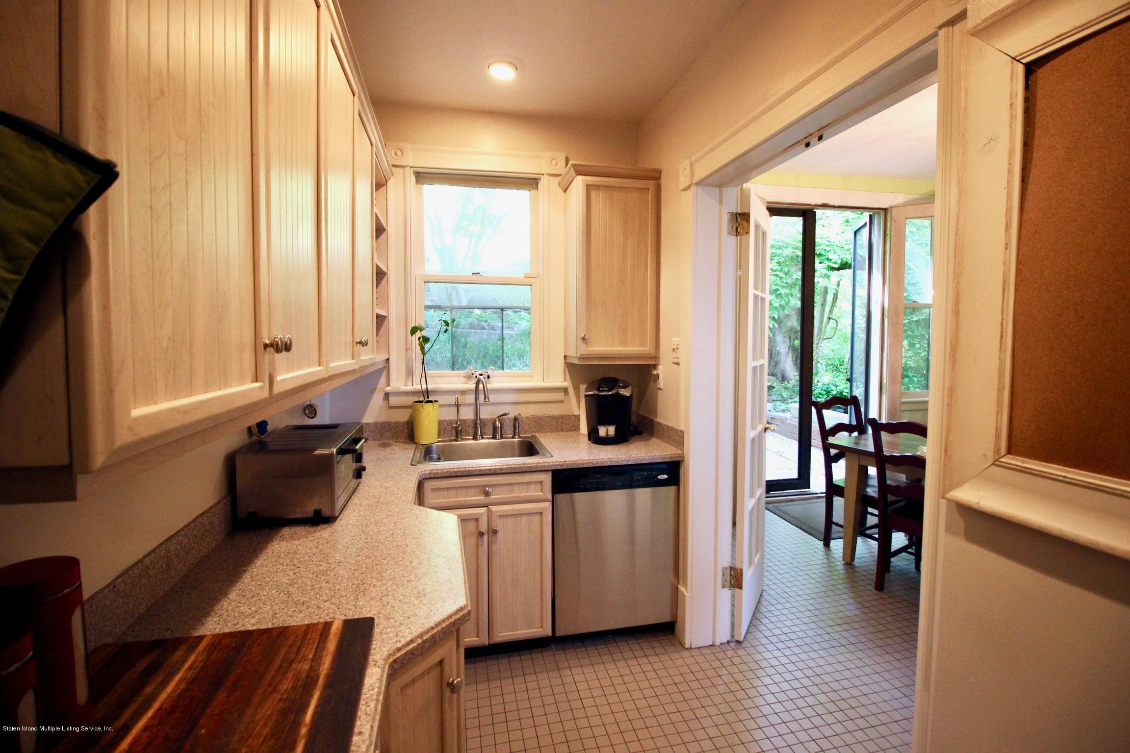 Single Family - Detached 208 St Pauls Avenue  Staten Island, NY 10304, MLS-1129566-20