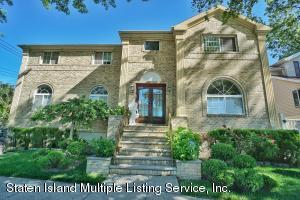 Charming 3 bedroom Colonial in the heart of Great Kills