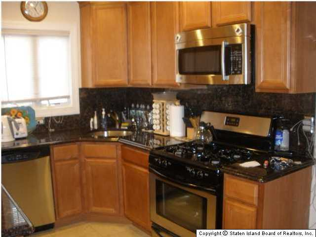 Single Family - Semi-Attached 228 Moreland Street  Staten Island, NY 10306, MLS-1129638-4