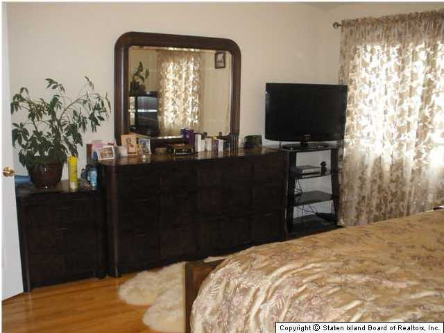 Single Family - Semi-Attached 228 Moreland Street  Staten Island, NY 10306, MLS-1129638-8
