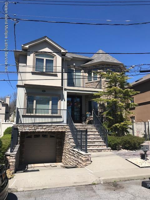 Single Family - Detached in Tottenville - 23 Joline Lane  Staten Island, NY 10307