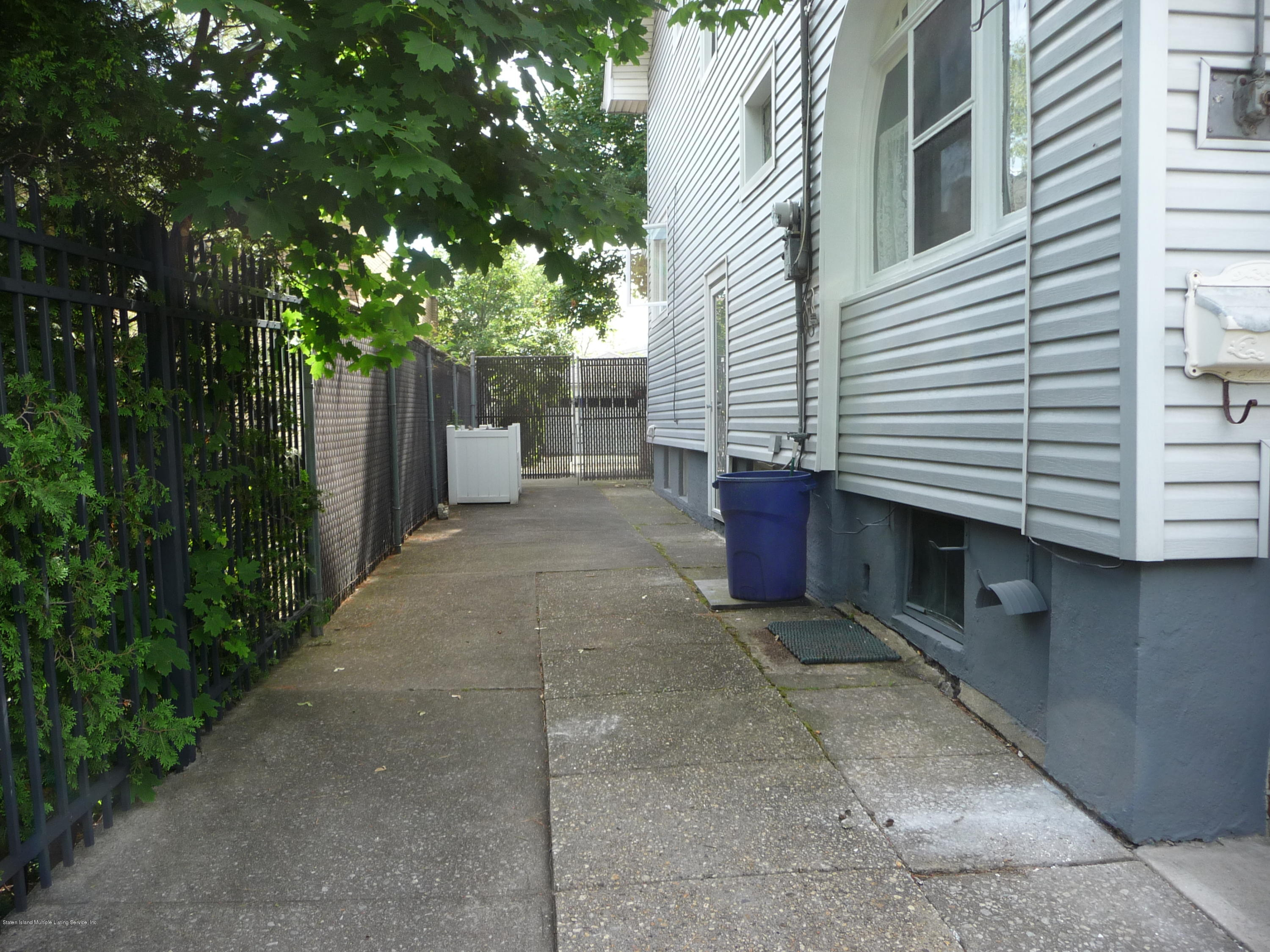 Single Family - Detached 77 Todt Hill Road  Staten Island, NY 10314, MLS-1129718-54