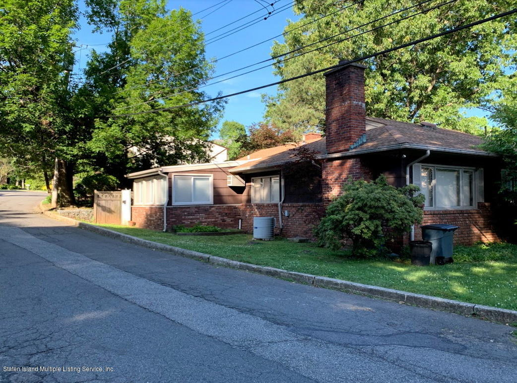 Single Family - Detached 61 Wooddale Avenue  Staten Island, NY 10304, MLS-1129742-23