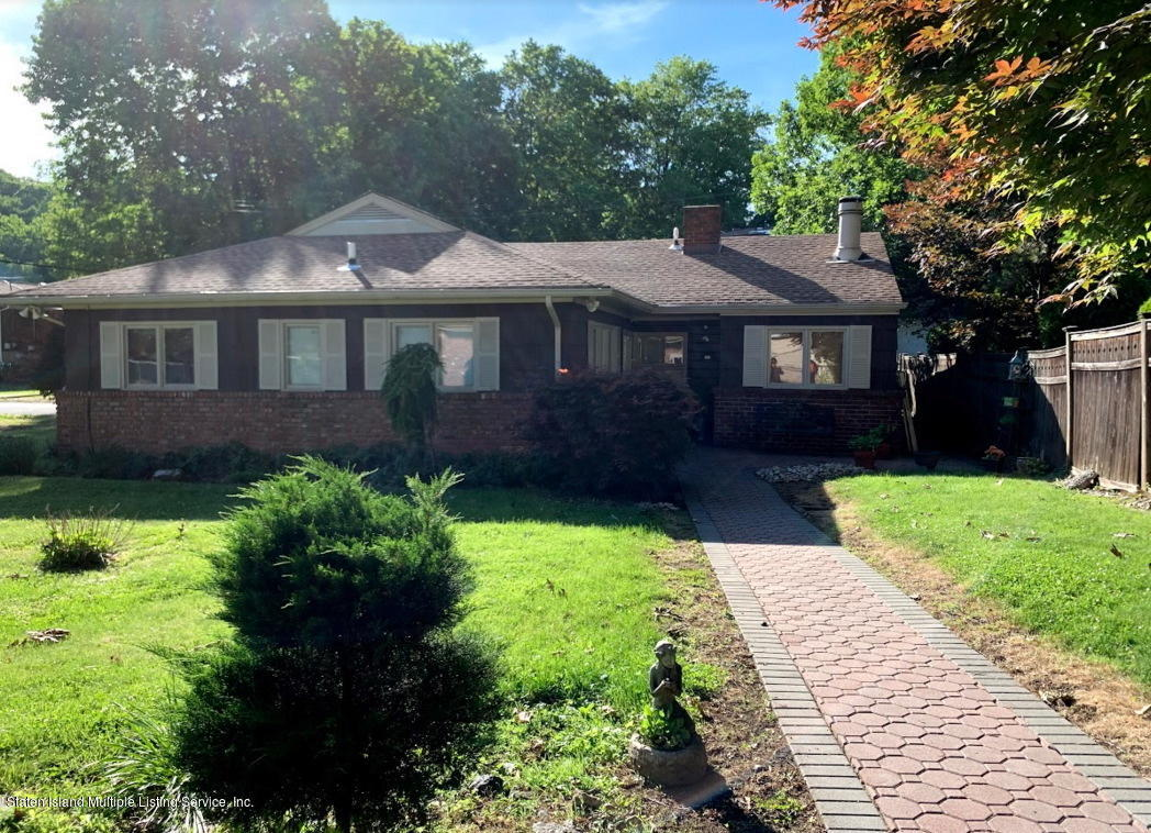 Single Family - Detached in Dongan Hills Colony - 61 Wooddale Avenue  Staten Island, NY 10304
