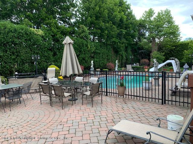 Single Family - Detached 5 Nicolosi Drive  Staten Island, NY 10312, MLS-1129854-18