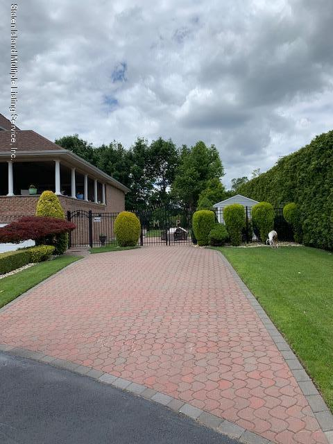 Single Family - Detached 5 Nicolosi Drive  Staten Island, NY 10312, MLS-1129854-4