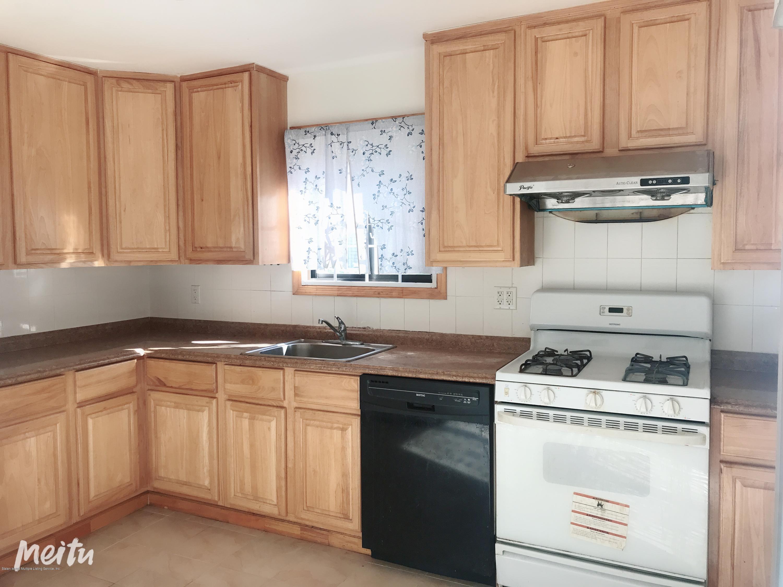 Single Family - Semi-Attached 129 Moreland Street  Staten Island, NY 10306, MLS-1129862-2