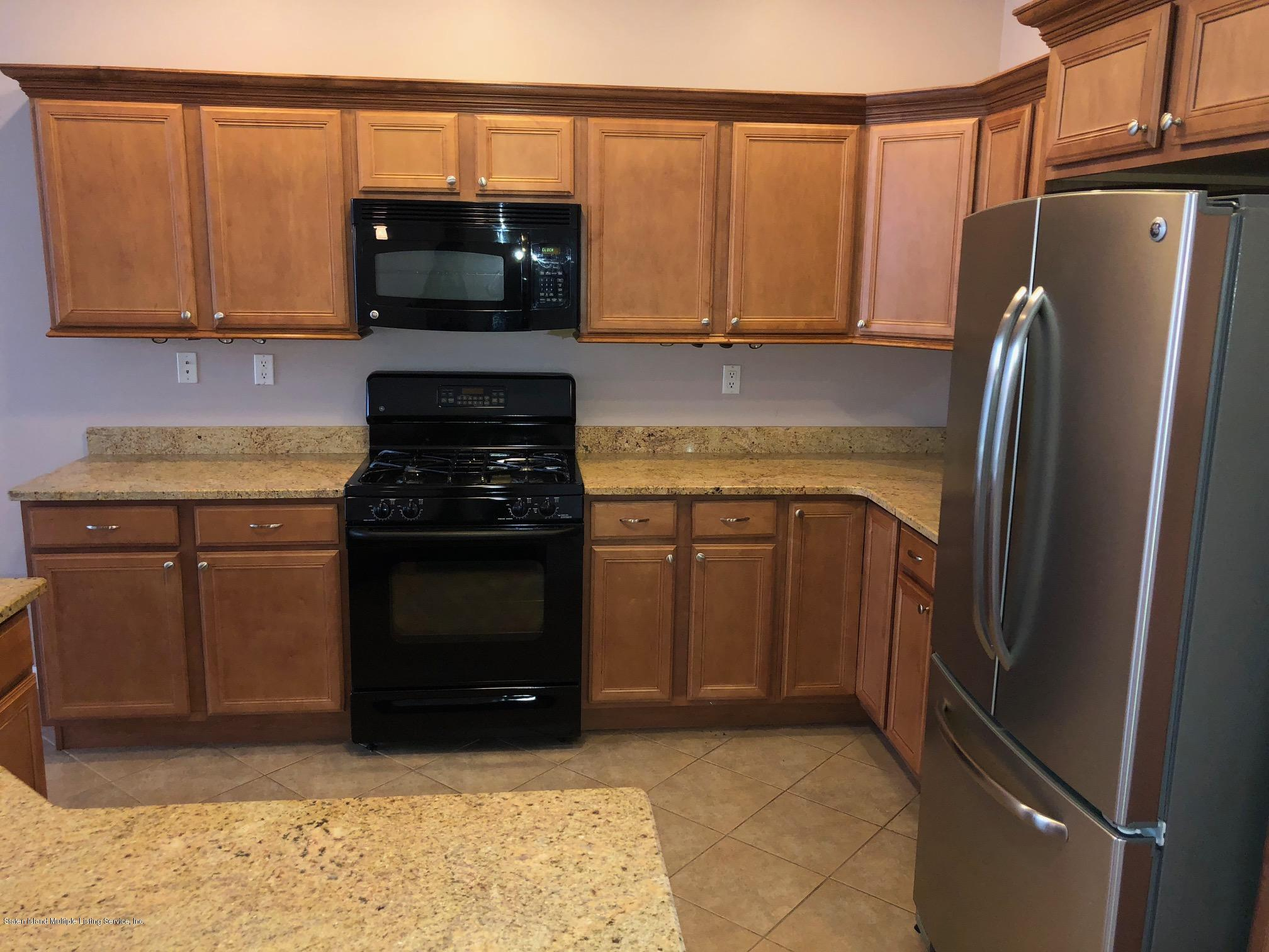 Single Family - Attached 61 Topside Lane  Staten Island, NY 10309, MLS-1129867-11