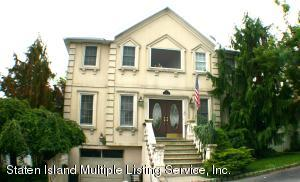 46 Putters Court, Staten Island, NY 10301