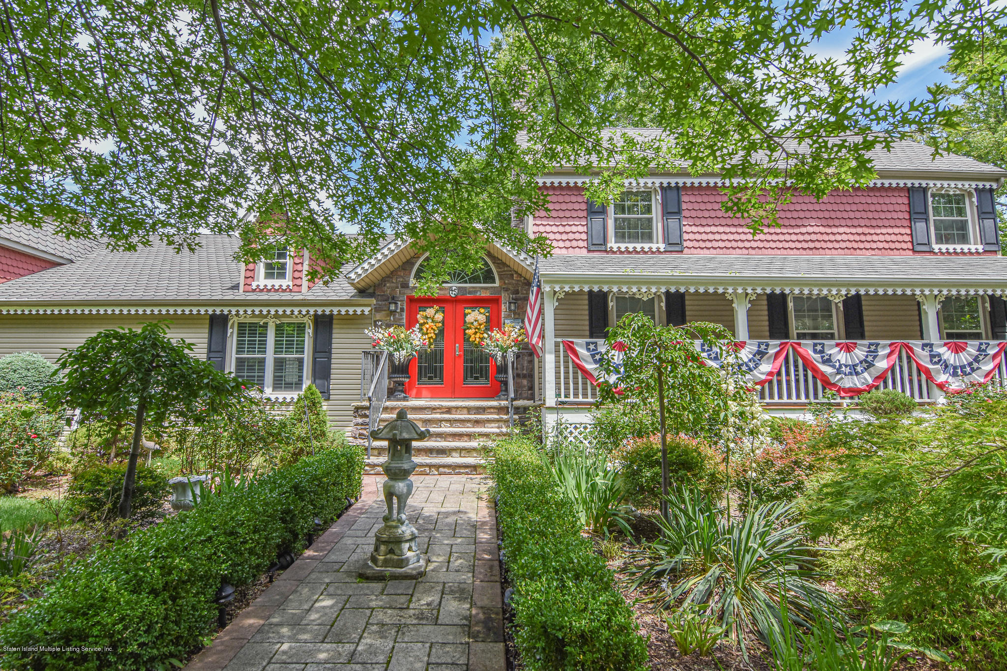 Single Family - Detached in Huguenot - 45 Androvette Avenue  Staten Island, NY 10312