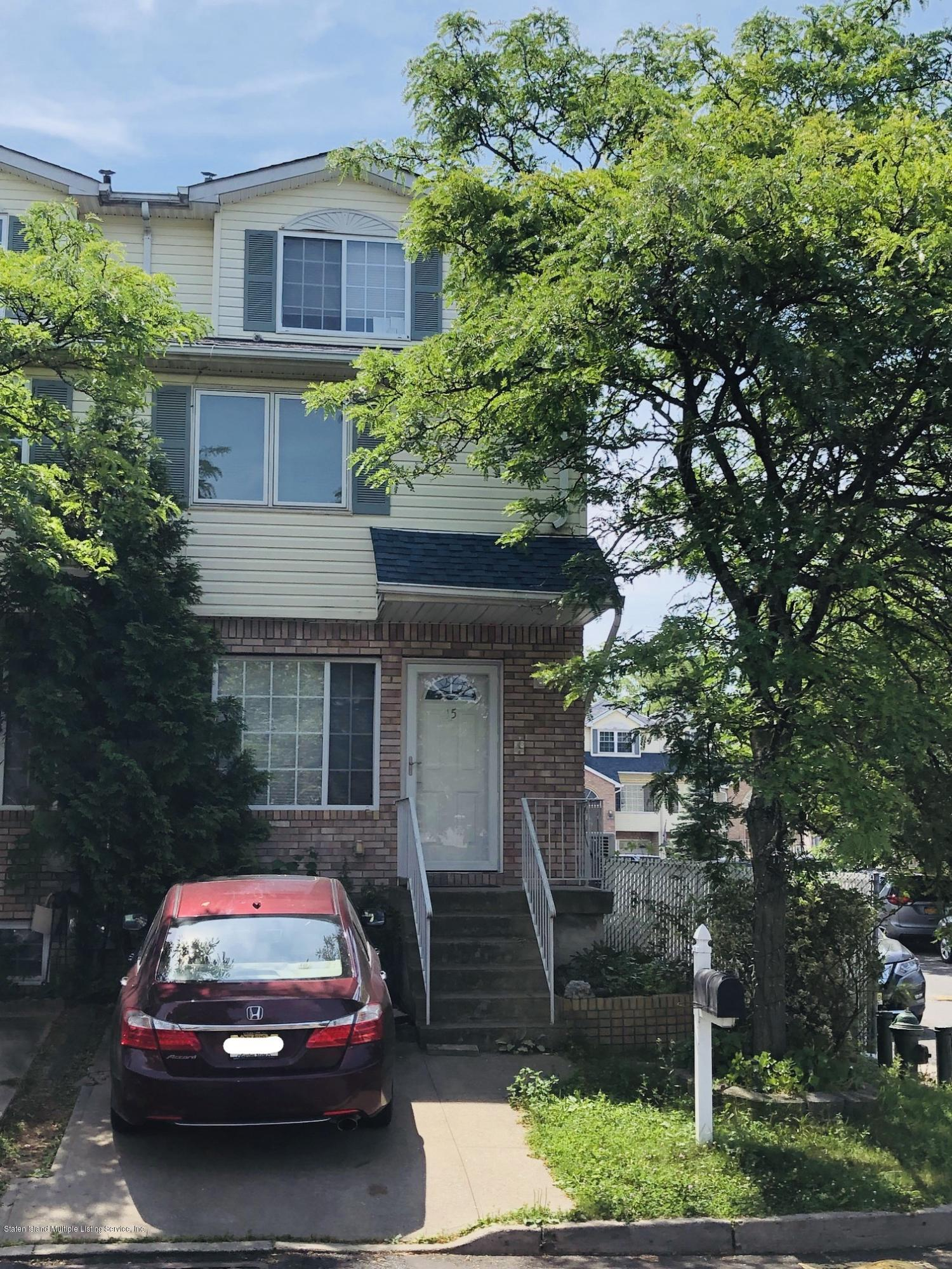 Single Family - Attached in Oakwood - New Dorp Beach - 15 Pelican Circle  Staten Island, NY 10306
