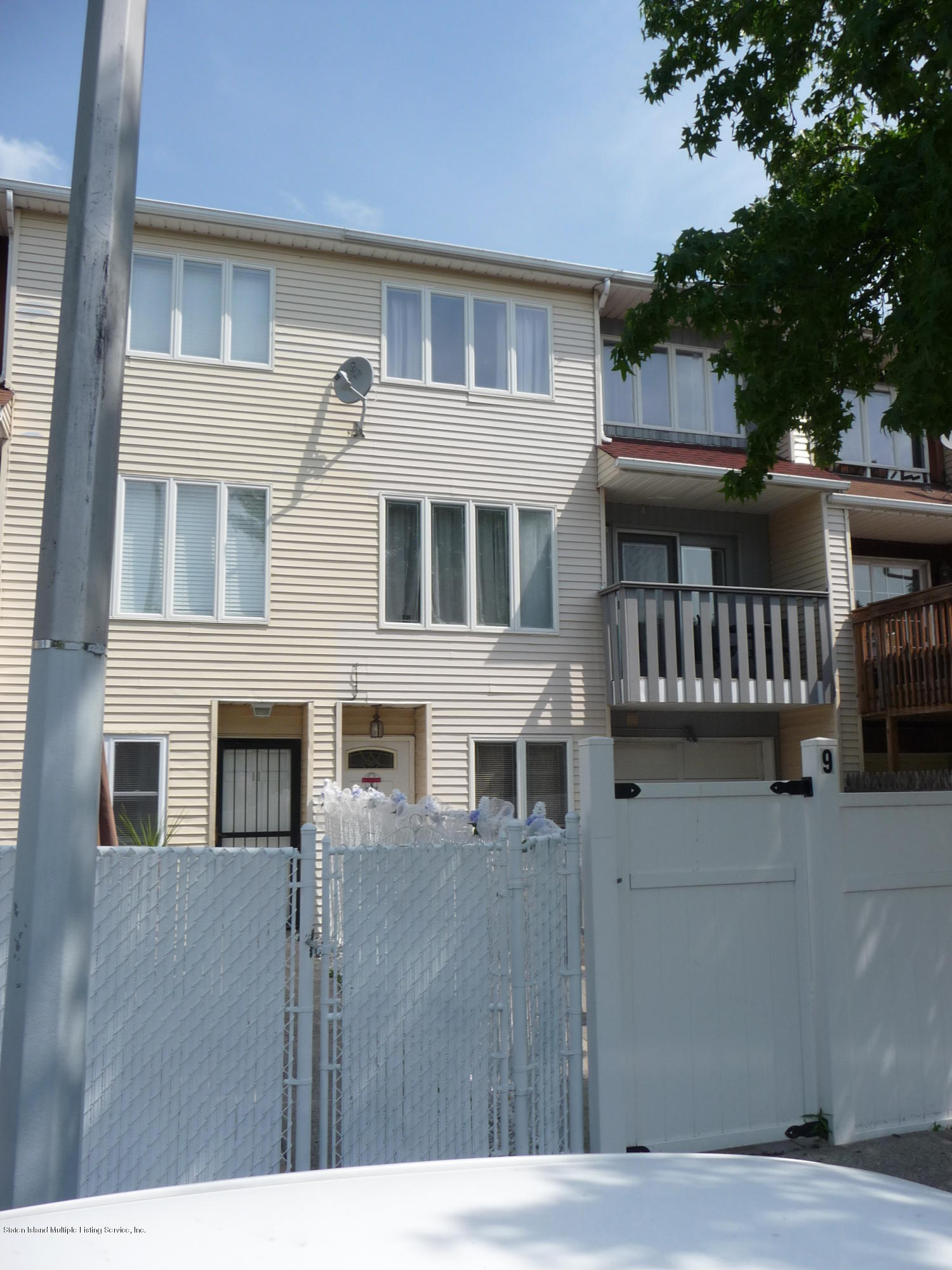 Single Family - Attached 9 Berry Avenue  Staten Island, NY 10312, MLS-1130296-19