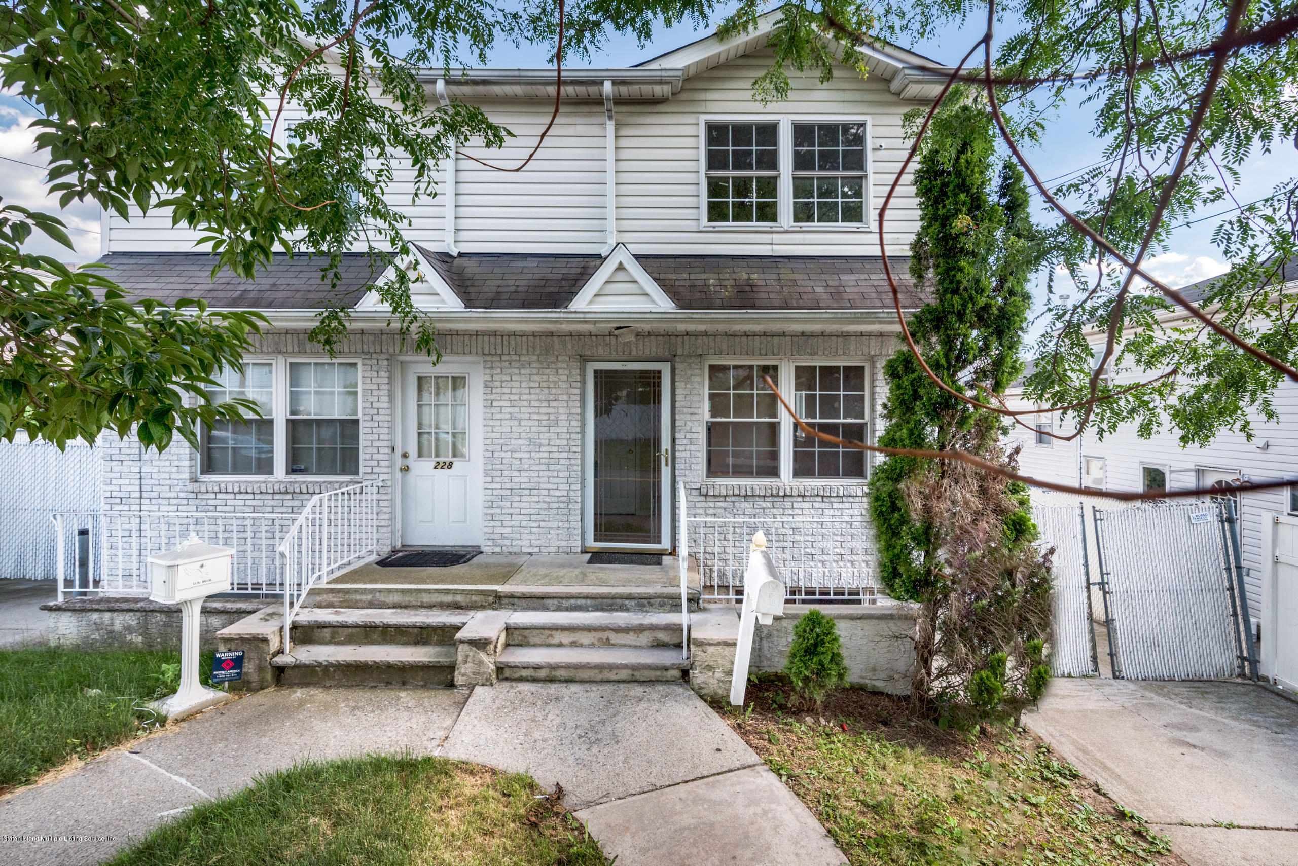 Single Family - Semi-Attached in Manor Heights - 230 Holden Boulevard  Staten Island, NY 10314