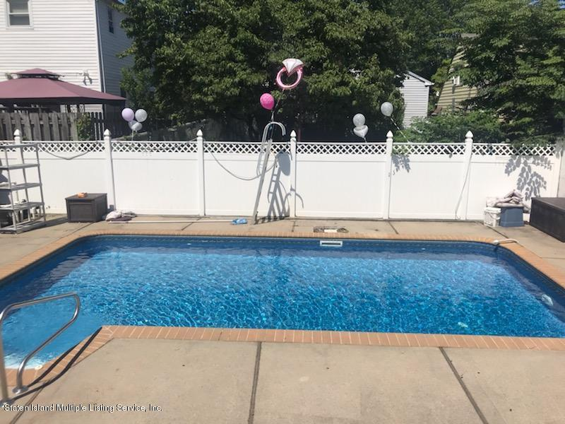 Single Family - Detached 143 Burbank Avenue  Staten Island, NY 10306, MLS-1129725-20
