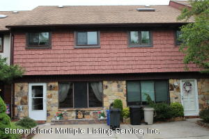 57 Rolling Hill Green, Staten Island, NY 10312