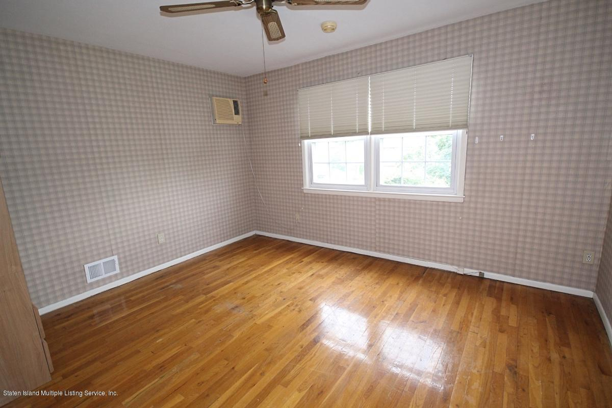 Single Family - Semi-Attached 1923 N Railroad Avenue  Staten Island, NY 10306, MLS-1130533-16