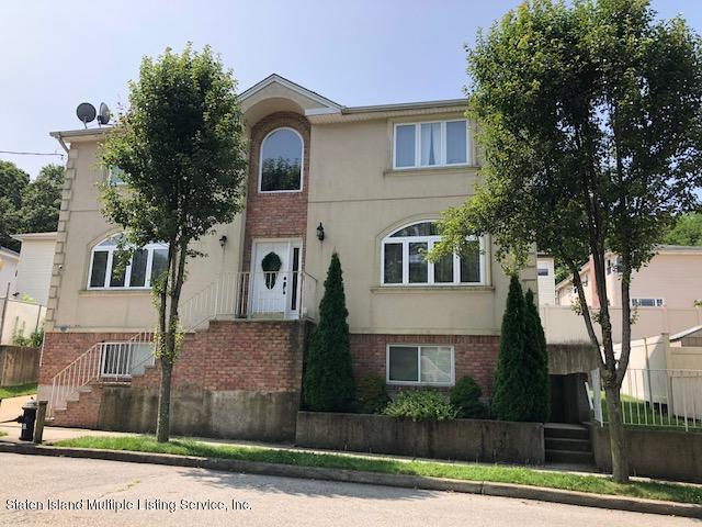Single Family - Detached in Latourette - 48 Gwenn Loop  Staten Island, NY 10314
