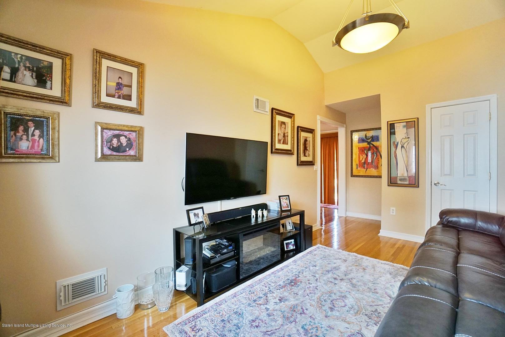 Single Family - Semi-Attached 3 Wilbur Street  Staten Island, NY 10309, MLS-1130491-11