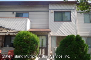 76 Wolkoff Lane, Staten Island, NY 10303