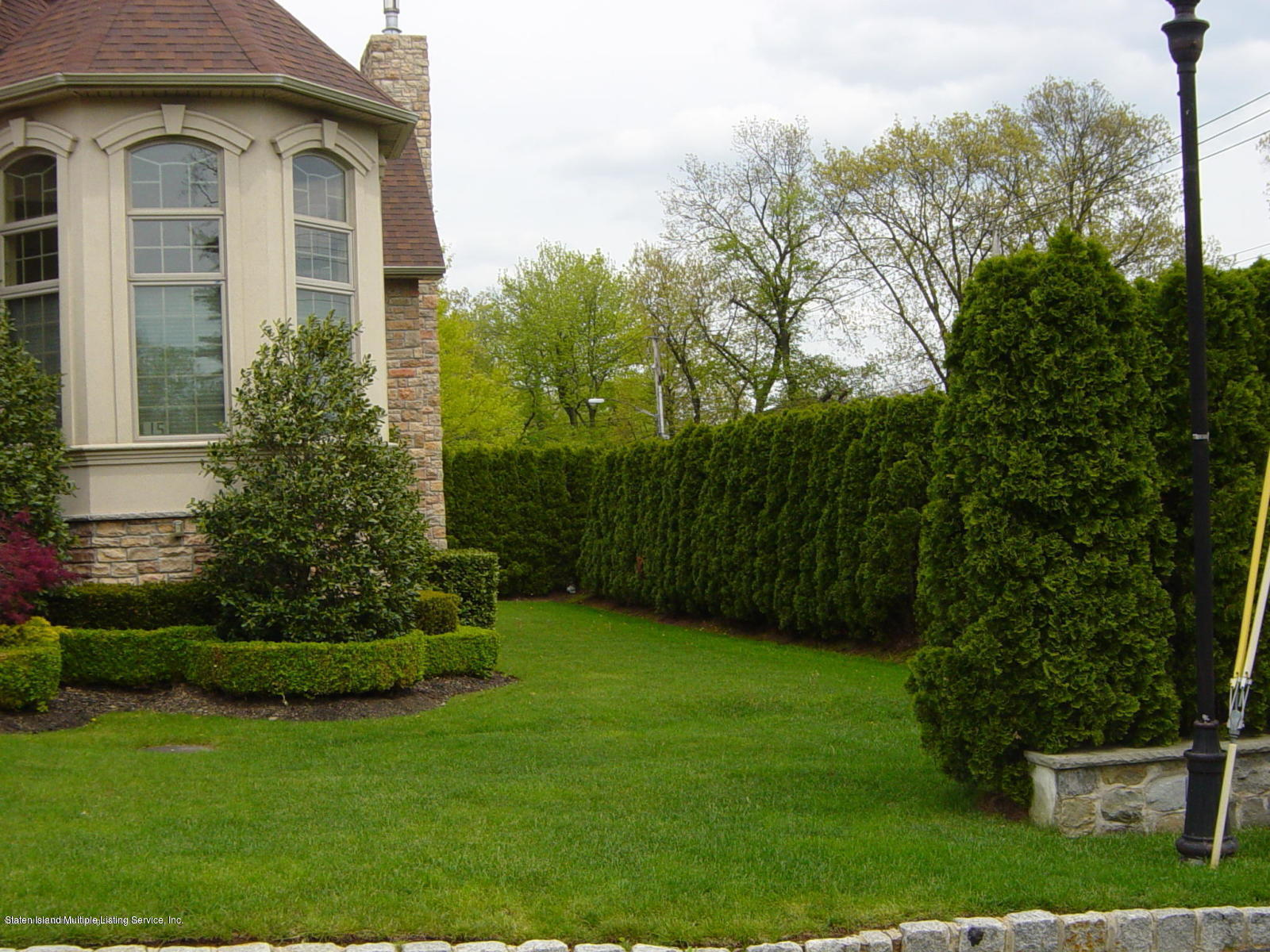 Single Family - Detached 15 Chipperfield Court   Staten Island, NY 10304, MLS-1130501-17