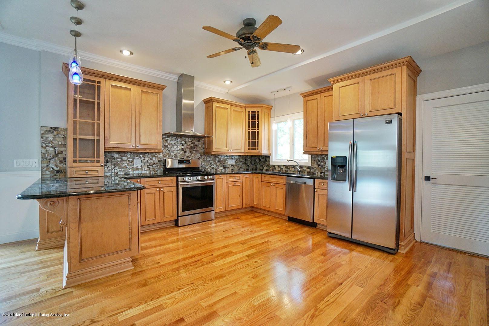 Single Family - Detached 445 Manhattan Street  Staten Island, NY 10307, MLS-1130505-10