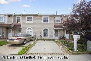 26 Francesca Lane, Staten Island, NY 10303