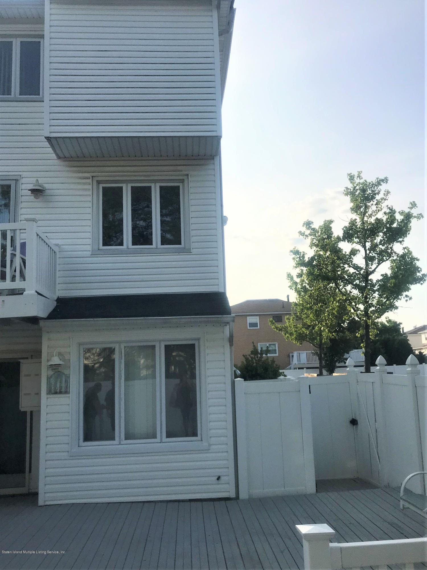 Single Family - Attached 19 Highland Lane  Staten Island, NY 10308, MLS-1130556-19