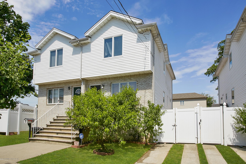 Single Family - Semi-Attached in Midland Beach - 235 Kiswick Street  Staten Island, NY 10306