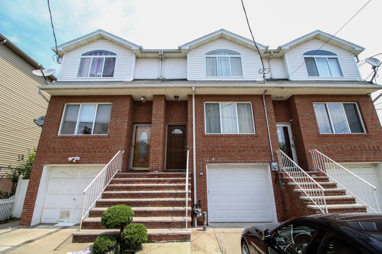 Single Family - Attached in Midland Beach - 17 Mapleton Avenue  Staten Island, NY 10306