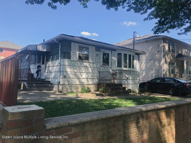 Single Family - Detached in Dongan Hills-Above Hylan - 27 Newberry Avenue  Staten Island, NY 10304