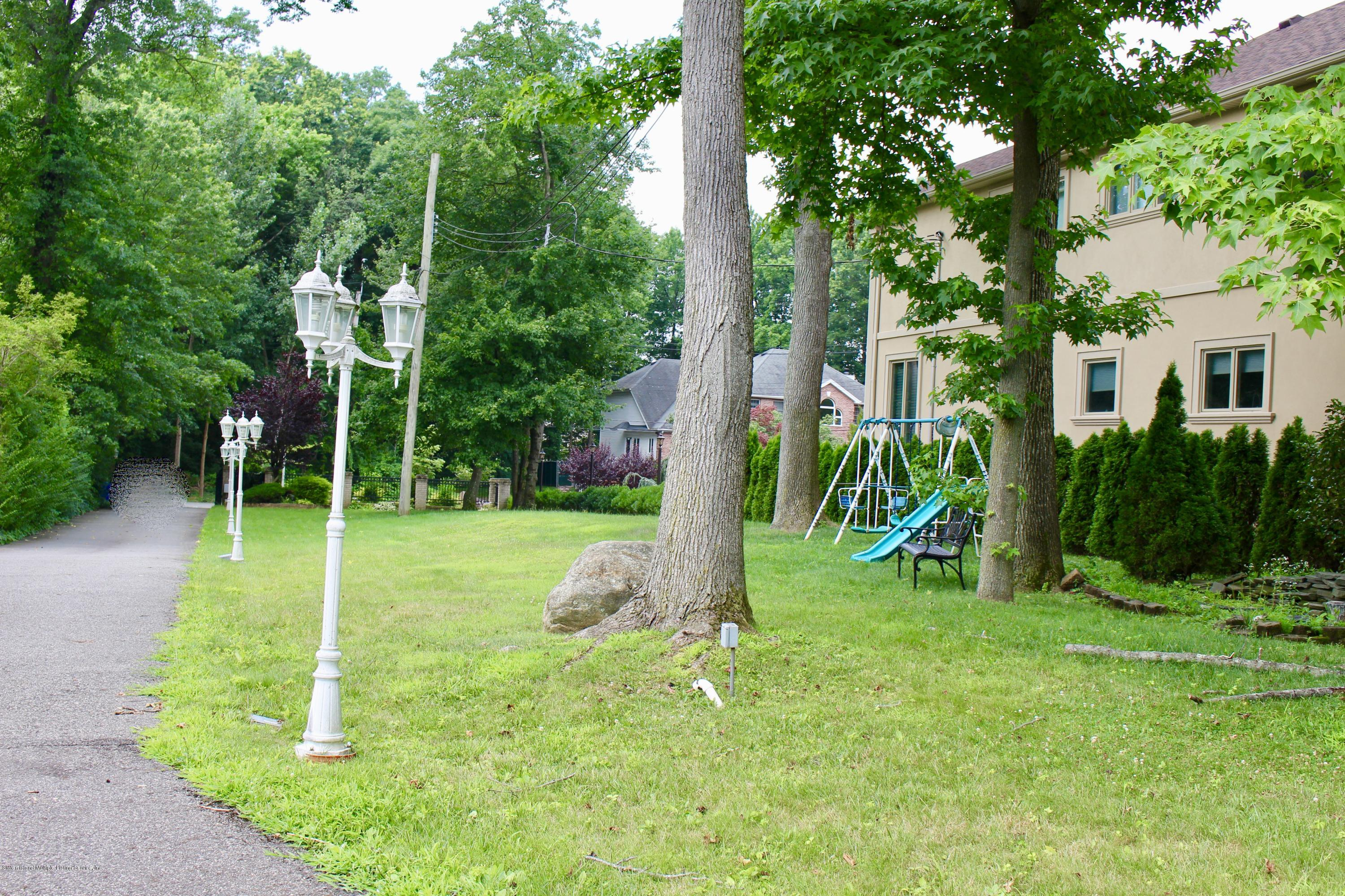 Two Family - Detached 63 Parkwood Avenue  Staten Island, NY 10309, MLS-1124729-3