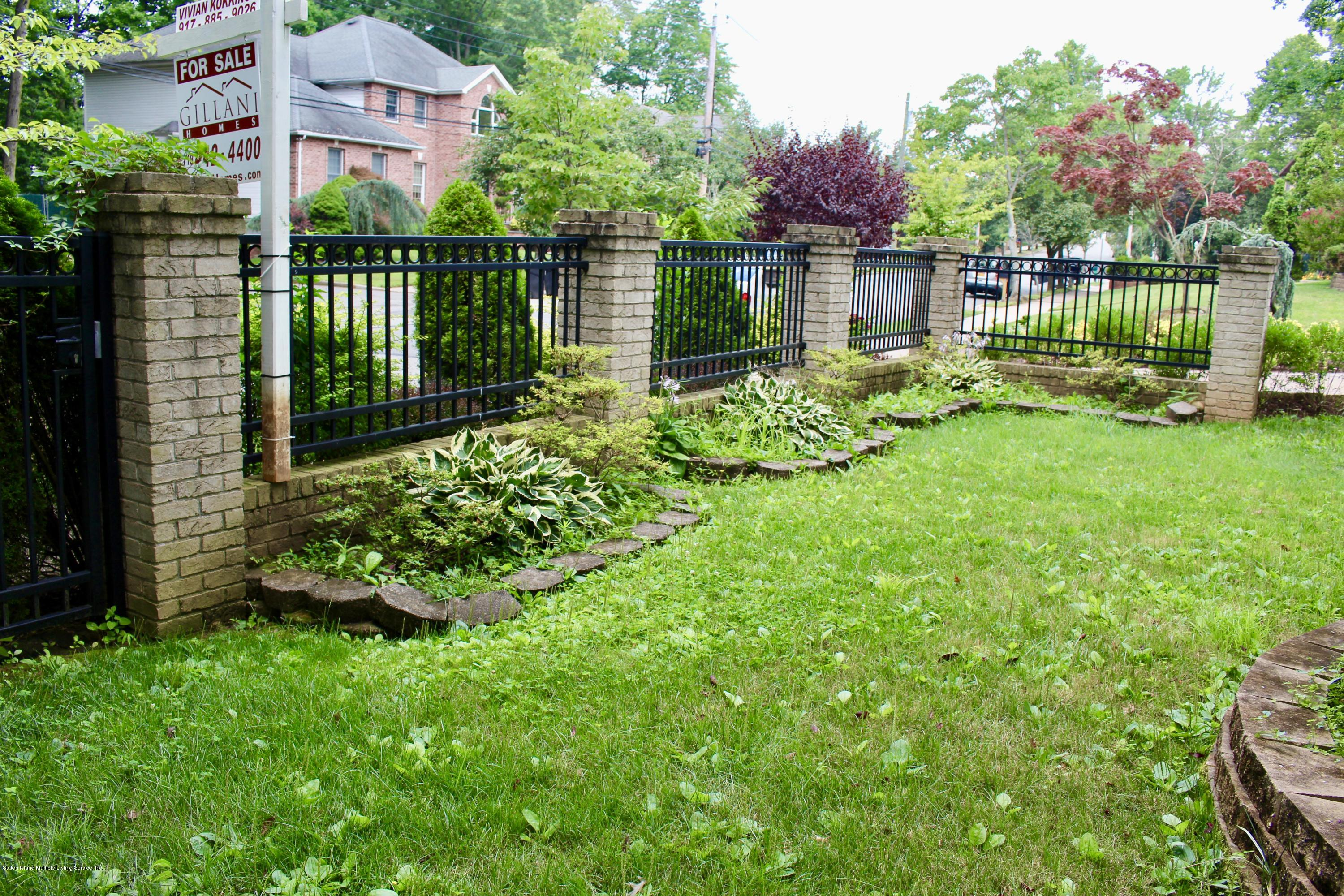 Two Family - Detached 63 Parkwood Avenue  Staten Island, NY 10309, MLS-1124729-34