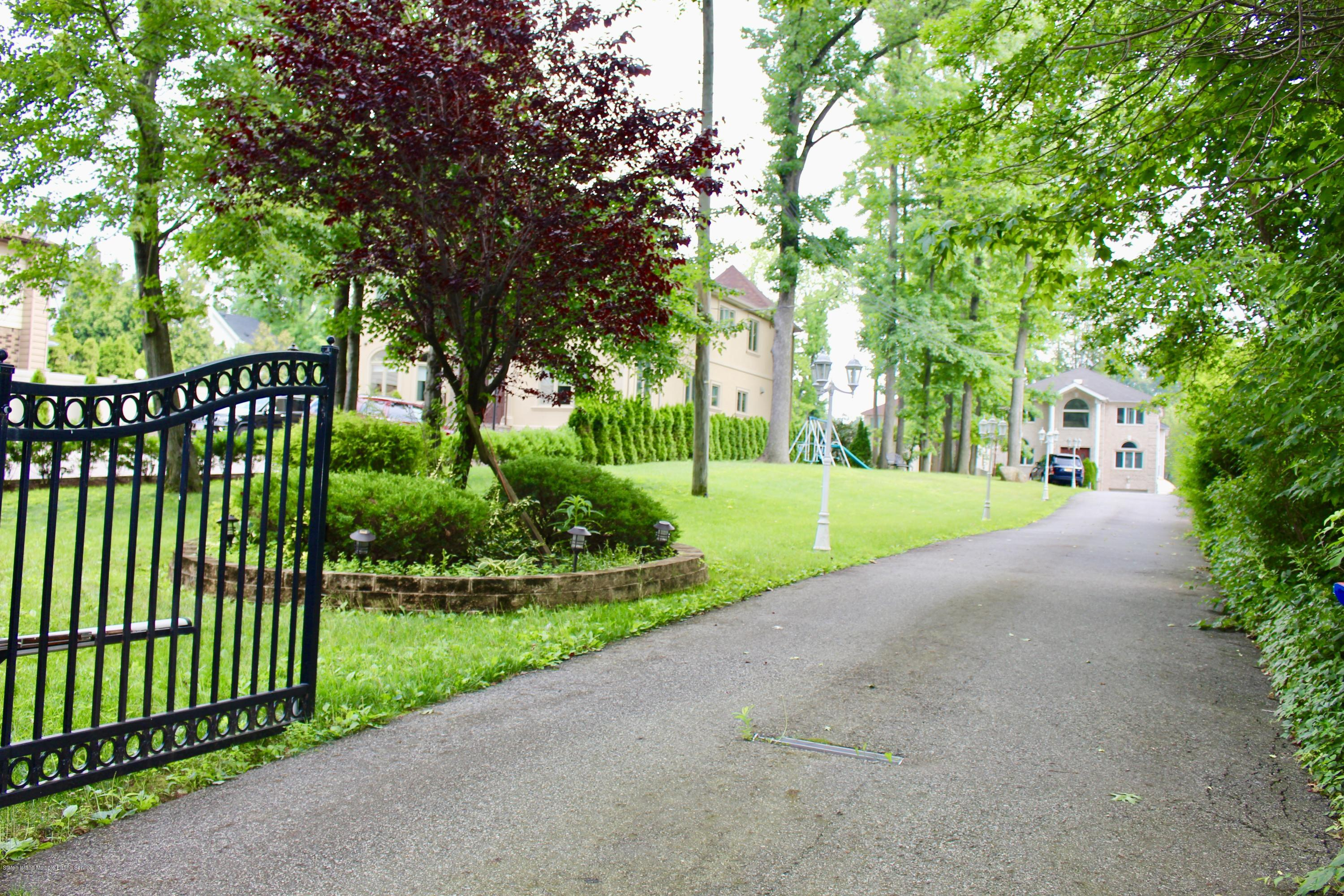 Two Family - Detached 63 Parkwood Avenue  Staten Island, NY 10309, MLS-1124729-39