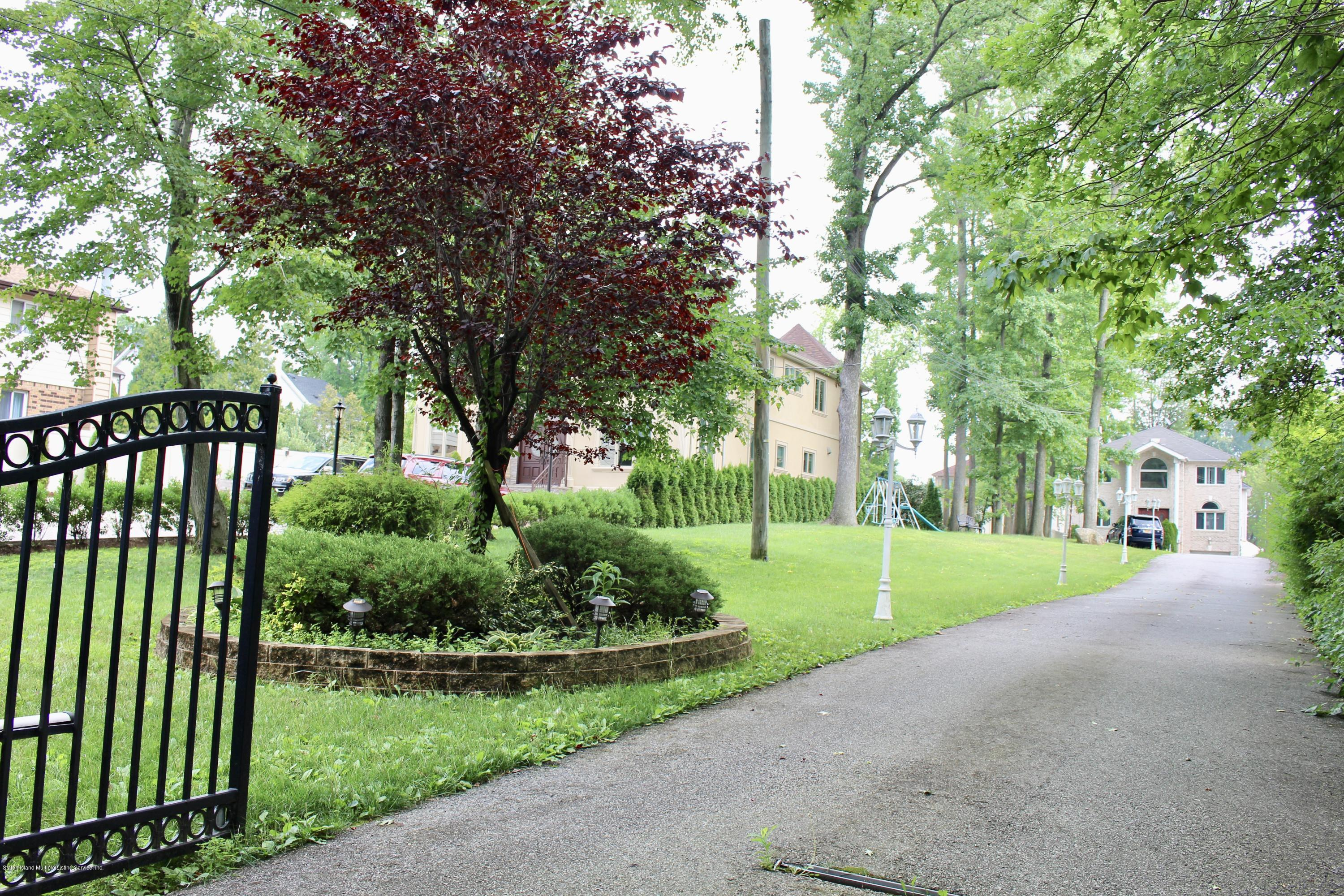 Two Family - Detached 63 Parkwood Avenue  Staten Island, NY 10309, MLS-1124729-2
