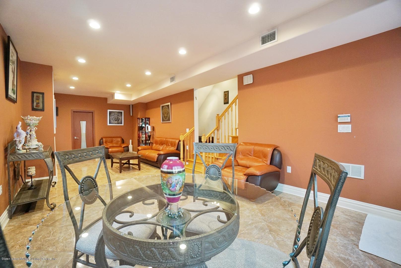 Single Family - Detached 48 Ocean Terrace  Staten Island, NY 10314, MLS-1130826-33
