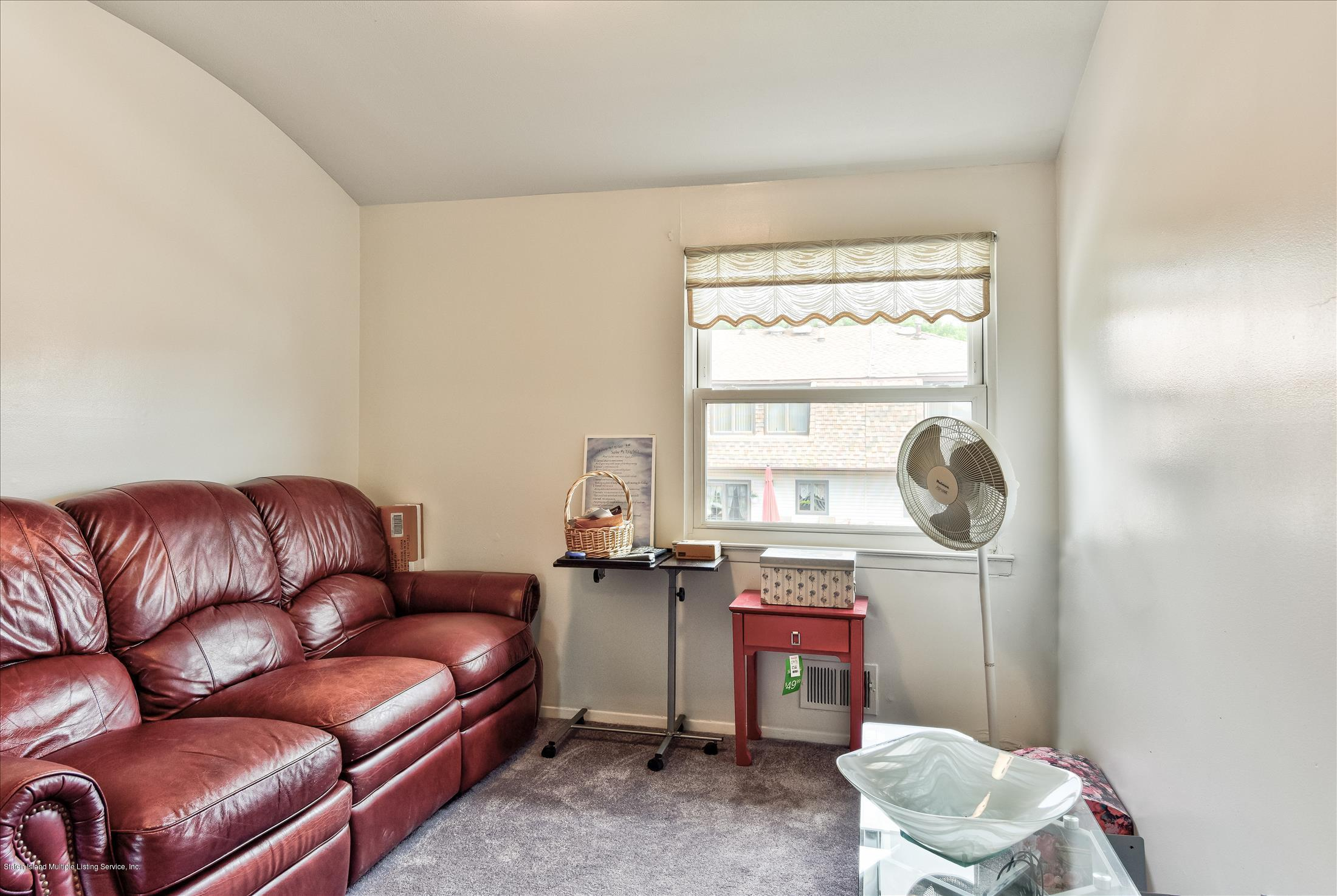 Single Family - Attached 833 Rensselaer Avenue  Staten Island, NY 10309, MLS-1125461-17